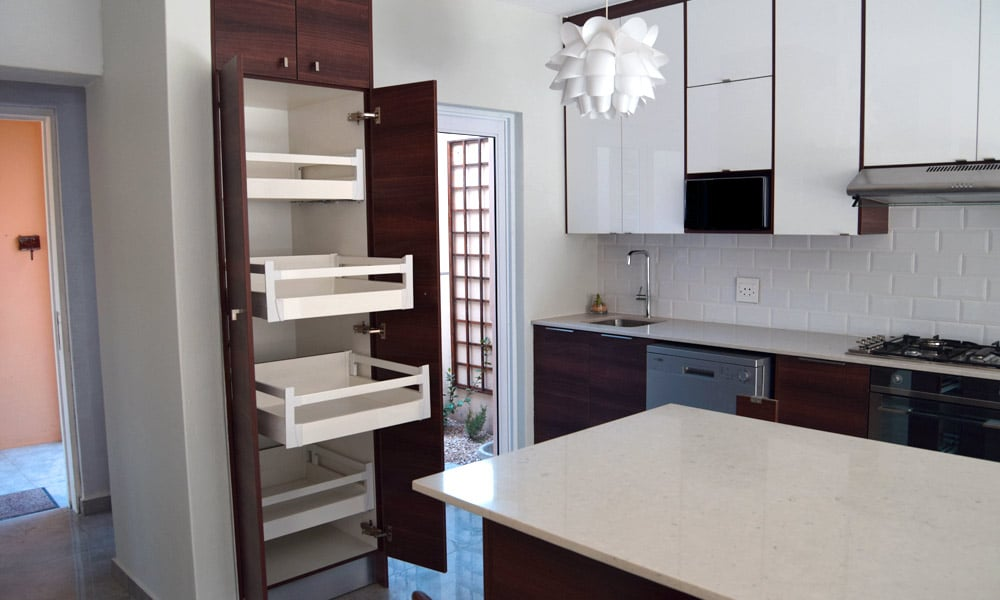 Modern White Kitchen Cupboards For Your New Kitchen Redesign Ec